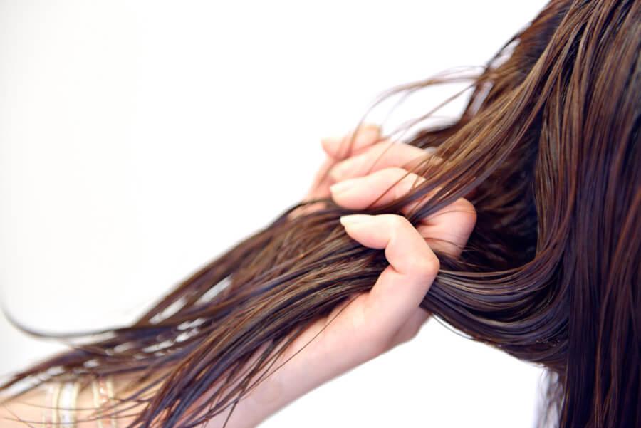 3髪のうねり