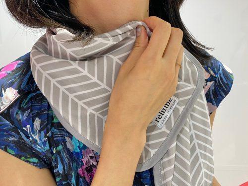 リンネル9月号増刊号付録・接触冷感タオルを首に巻いたところ