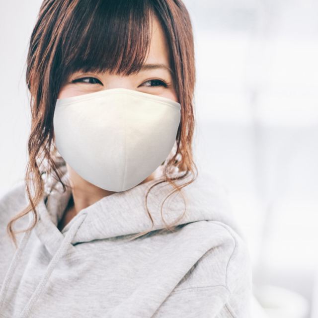 ナノ抗菌バンブーマスク着用