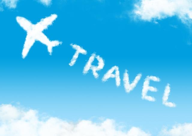 飛行機雲でTRAVELという文字を書いたところ