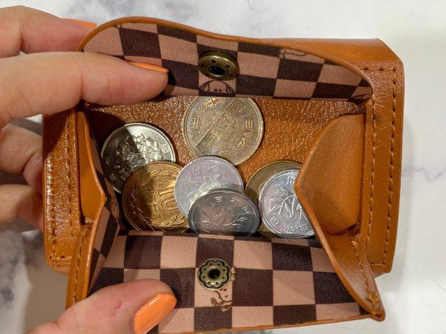 SNOOPYのレザー調三つ折り財布・小銭入れ