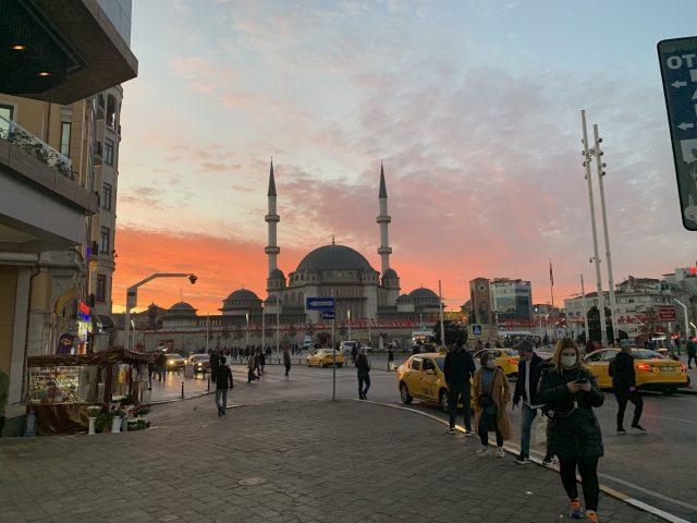 トルコタクシムモスク
