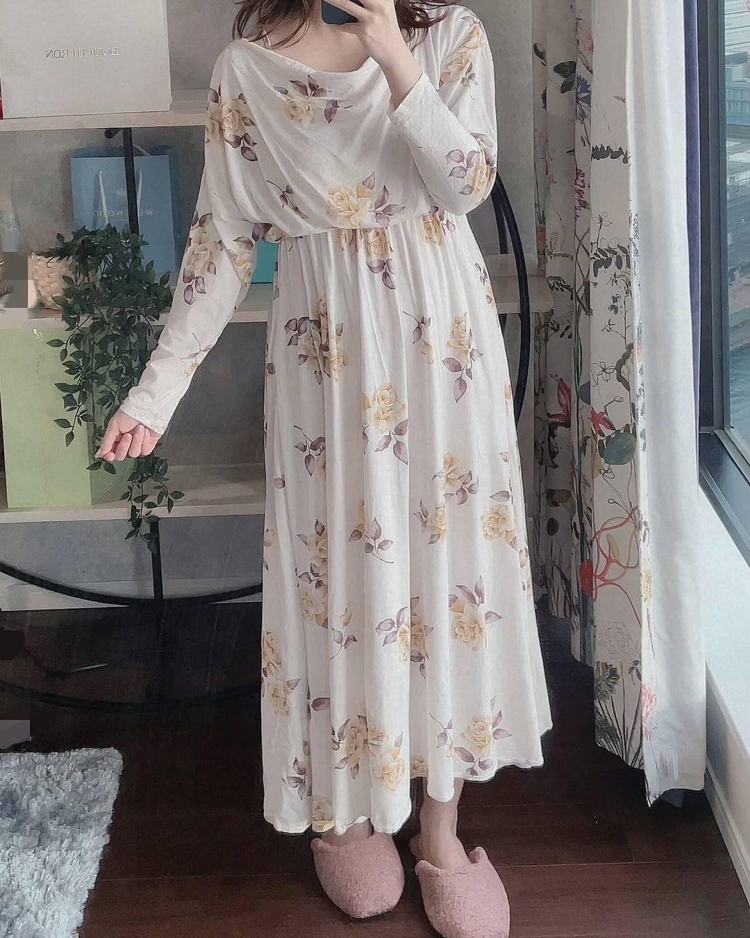 ヴィンテージローズロングドレスの画像