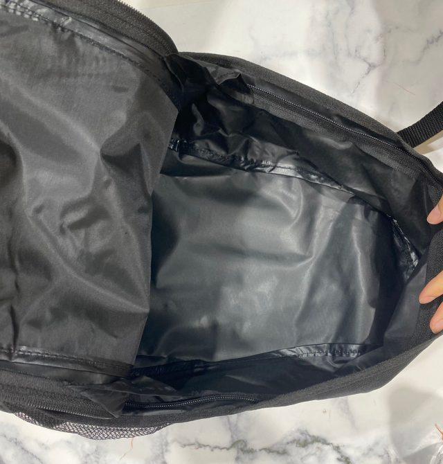 URBAN RESEARCH DOORSバックパックのメインポケット