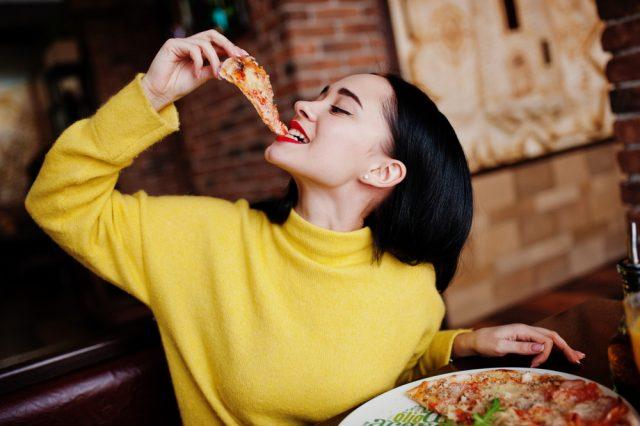 食事中のマナーがなってない