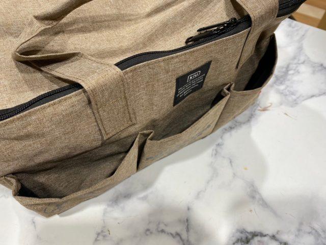 リラックマfeat.KiU撥水BIGピクニックバッグのフロントポケット