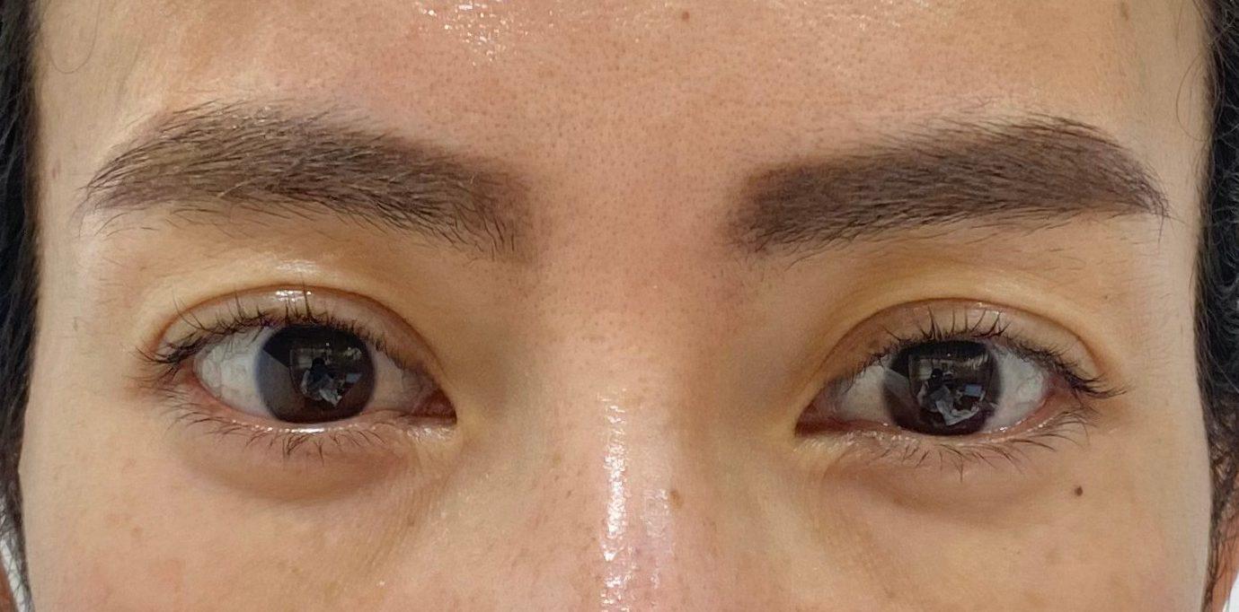 眉頭を内側に作る場合のメイク方法