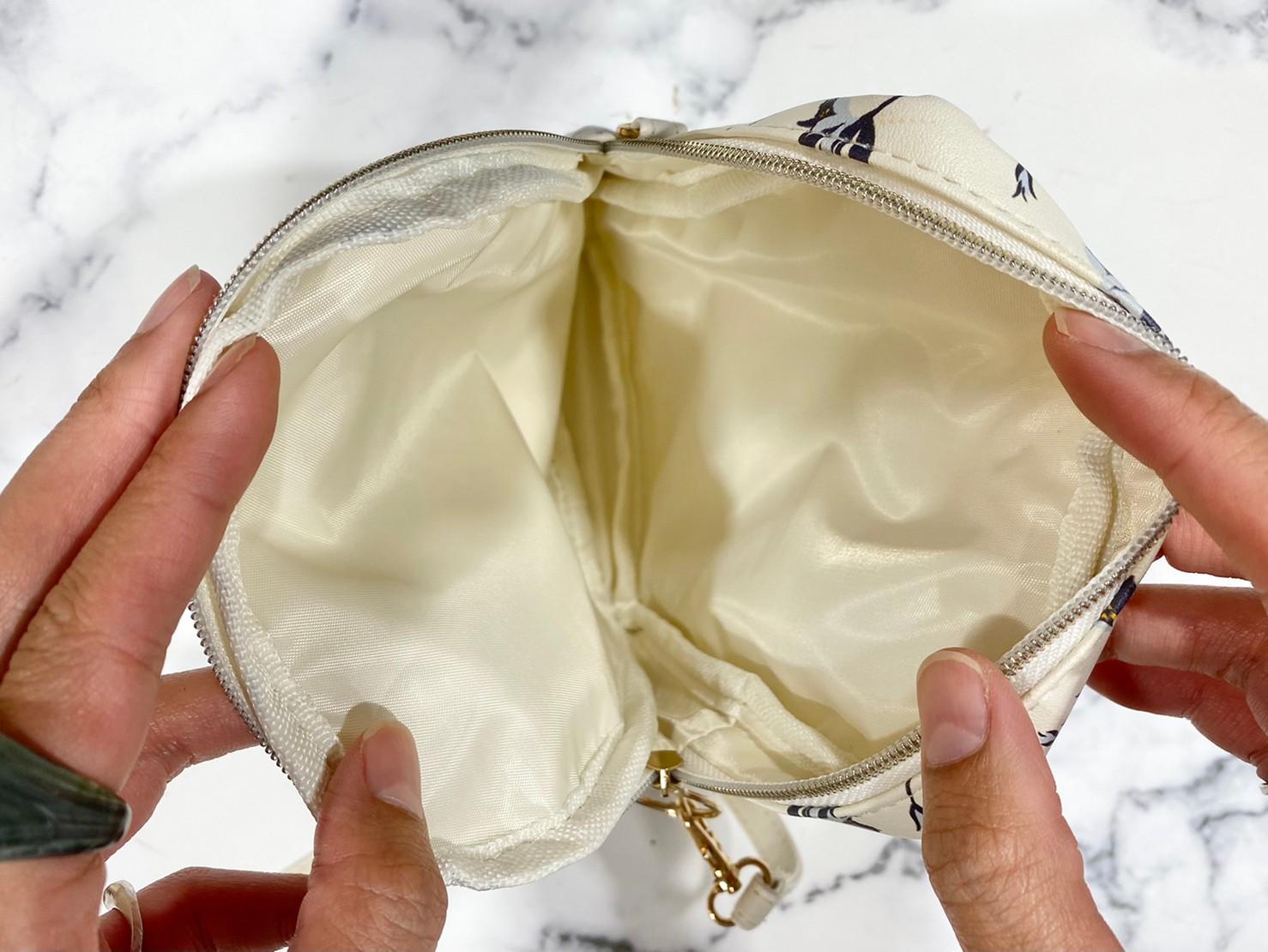 『花柄マルチポシェット』メインポケット部分の画像