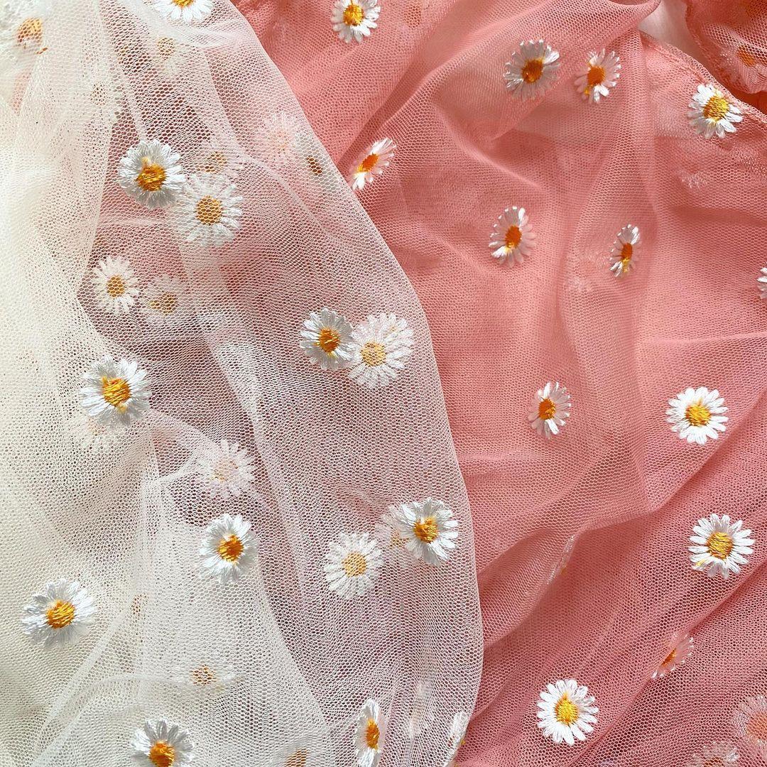 『フラワー刺繍ミニトート』のアップ画像