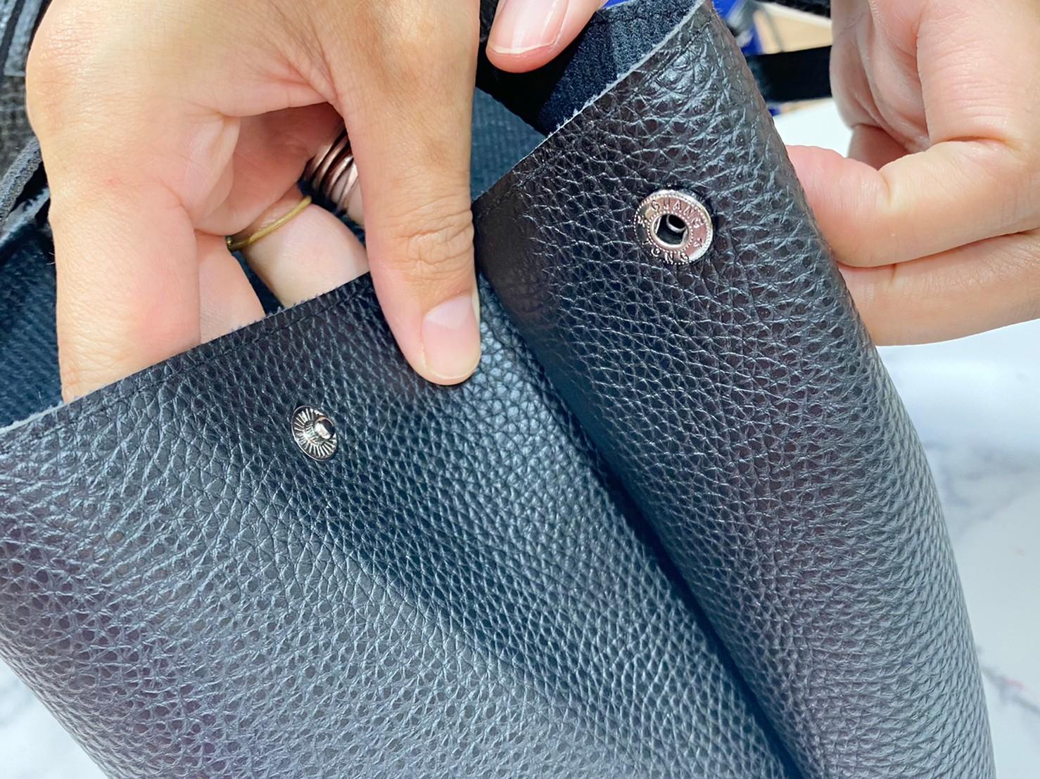 『egロゴトートバッグ』スナップボタンの画像