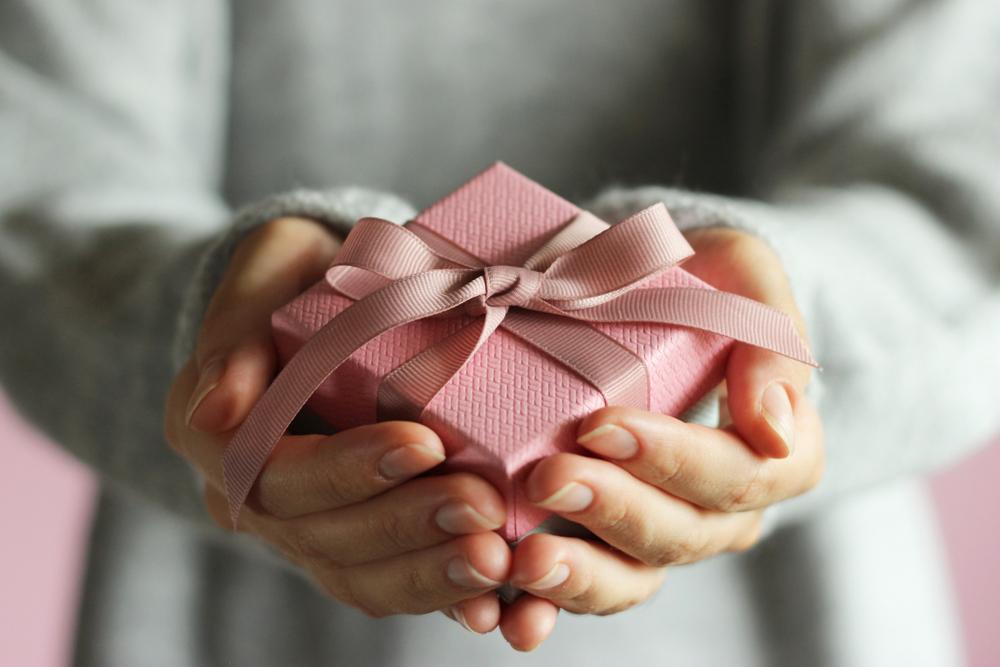 贈り物を贈る